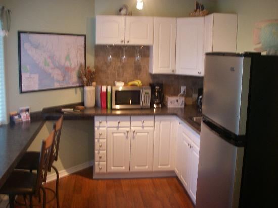 Island Serenity Chemainus Bed &amp; Breakfast / Vacation Rental: Kitchen