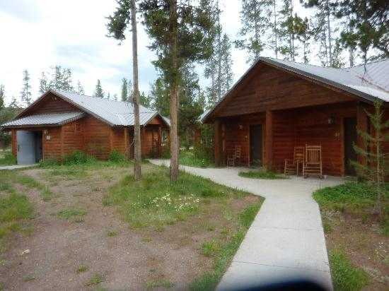 Cheap hotel deals and discount flagg ranch hotel for Headwaters cabins gran teton recensioni