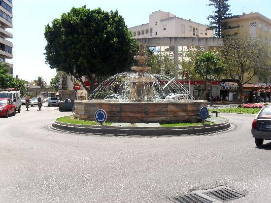 Roc Hotel Flamingo: Town Fountain