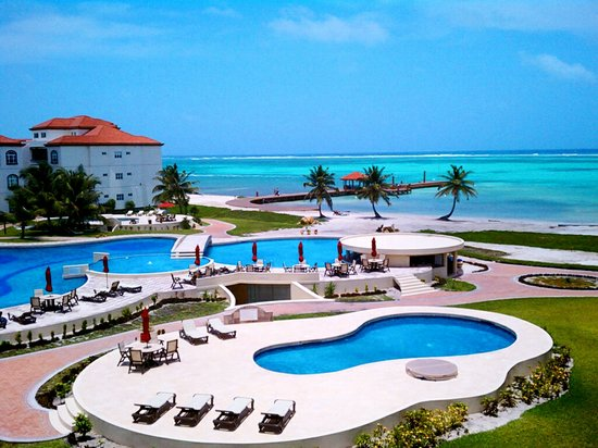 Grand Caribe Belize Resort and Condominiums: View from F8 - Amazing 3 pools 1 fresh 2 saltwater