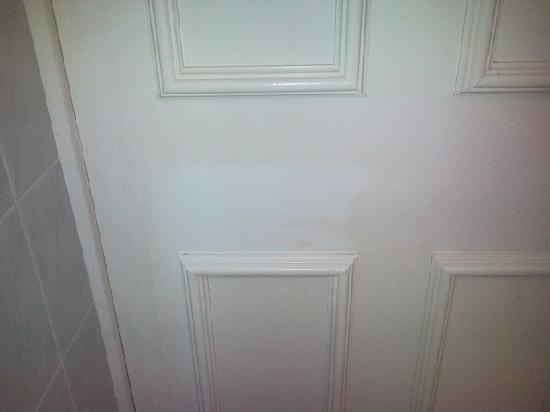 Aviemore Academy Hotel: Small patch on door not painted?...