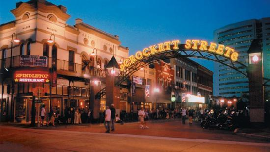Beaumont, TX: Crockett Street Entertainment District offers restaurants and live music for nonstop entertainme