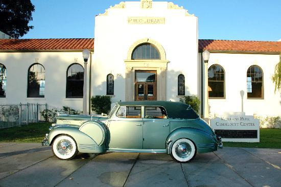 Redondo Beach, Kalifornia: Historic Library in Veteran's Park