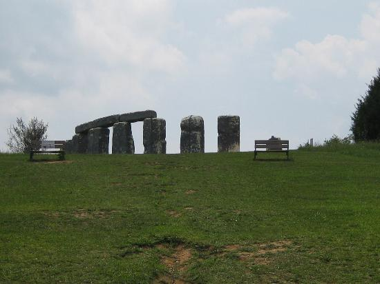 Natural Bridge, VA: FOAMHENGE4