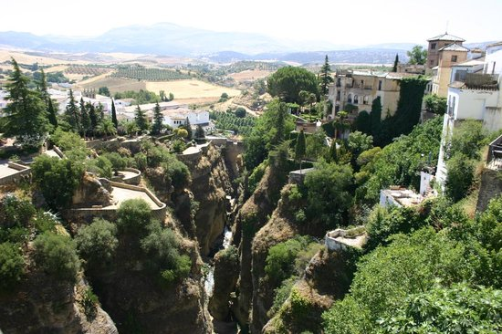 Ronda, Spanien: View of the gardens