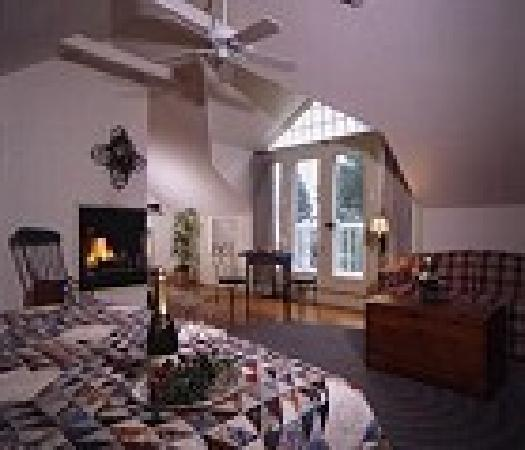 Boxwood Inn Bed & Breakfast: Carriage House suite