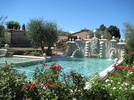 Sovana Hotel & Resort: Pool