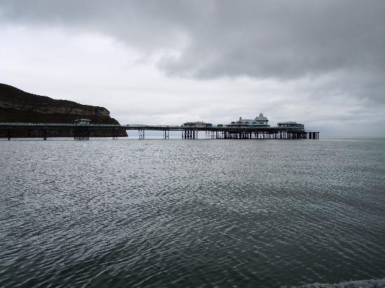 The Broadway Hotel: Llandudno Pier