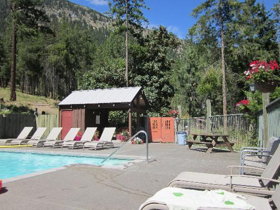 Photos of Kelly's Resort on Lake Chelan - Cabin/Campground Images