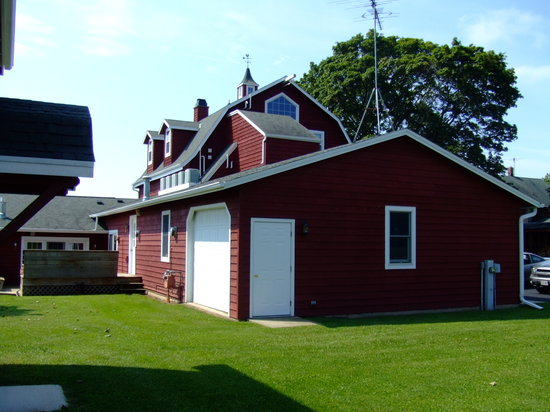 Chanticleer Guest House: The barn