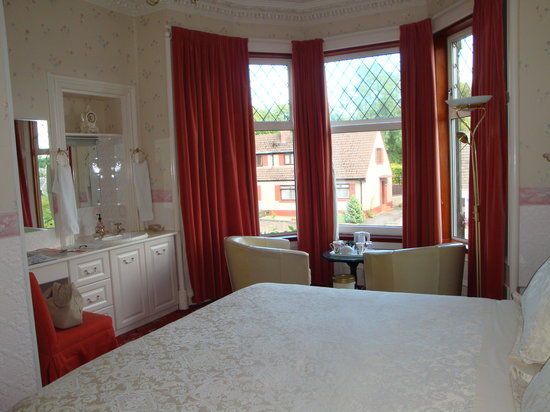 Perth, UK: Our beautiful room