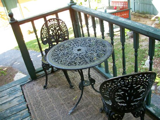 Scofield House Bed and Breakfast: Small, private patio