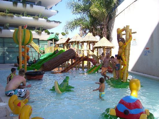 Fabtastic children 39 s pool picture of hotel deloix aqua - Hotel piscina ninos ...