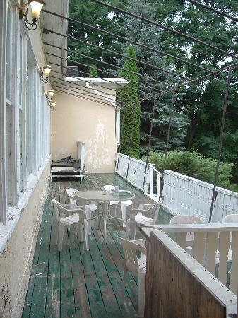 Clarion Inn and Conference Center Gananoque: deck