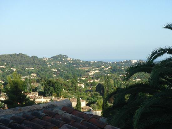 Hotel La Grande Bastide: View from room 15 towards the sea