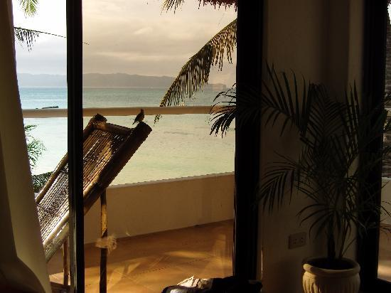 Artista Beach Villas: love the view from the bedroom :-)