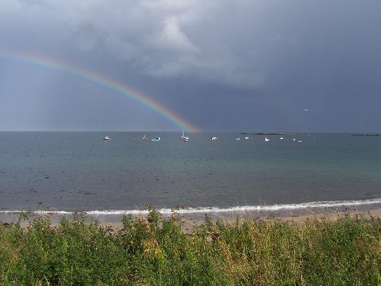 Seahouses, UK: Rainbow over Newton on Sea