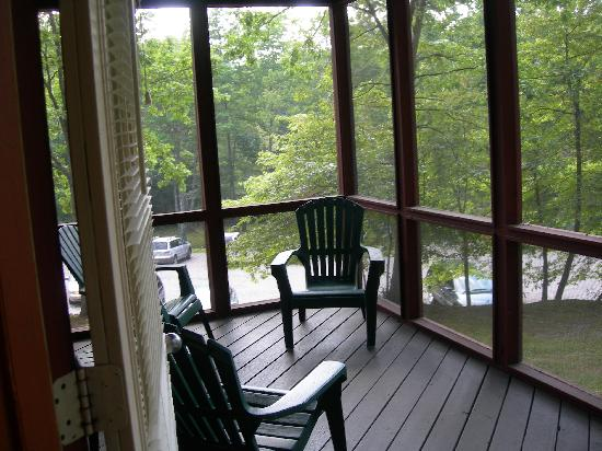 Ridge Top Village at Shawnee: Screened Porch