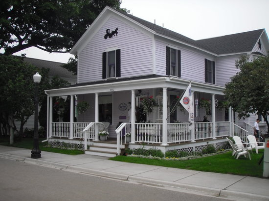 Lilac House Bed and Breakfast: Lilac House B&amp;B