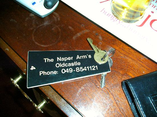 Naper Arms hotel: Stained dirty furniture