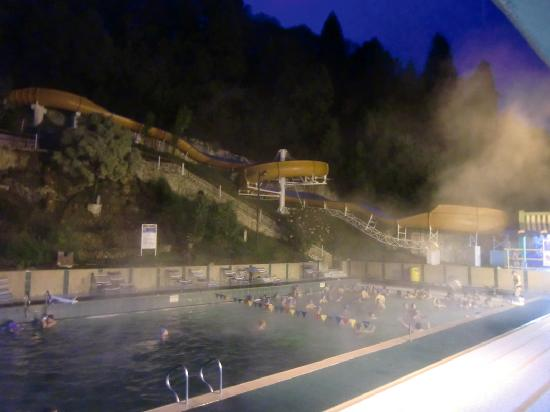 Paipa, Colombia: Different view of the second swimming pool at the banos termales