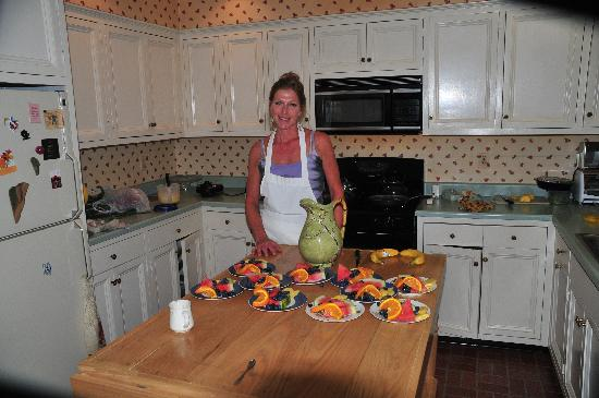 Warwick Valley Bed and Breakfast: Breakfast is almost served.
