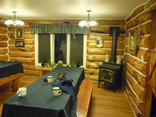 Skyline Guest Ranch and Guide Service: The Dining Room