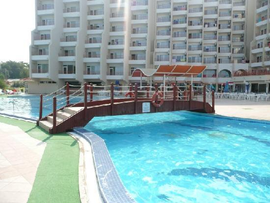 Sea Pearl Otel: The pool