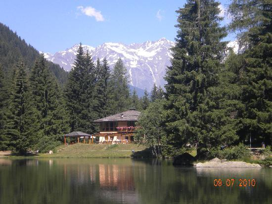 Mezzana, Italie : Lago dei caprioli 