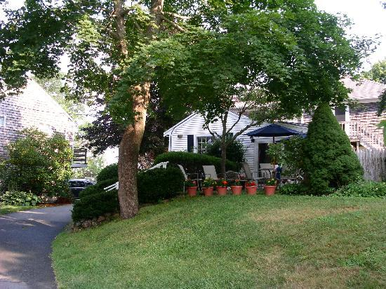 East Dennis, MA: driveway and outside patio for breakfast