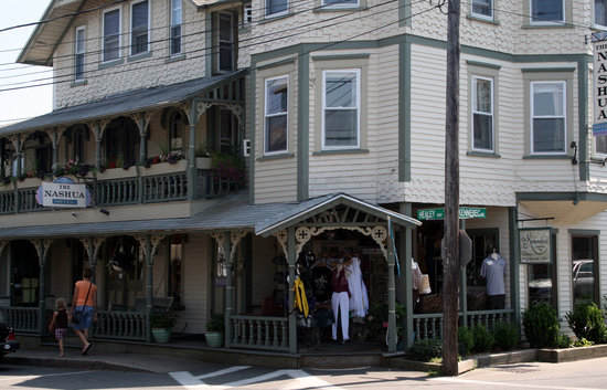 Oak Bluffs, MA : Nashua House Hotel