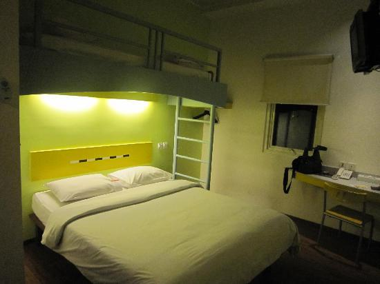 Ibis Budget Jakarta Menteng: clean room and very comfy bed