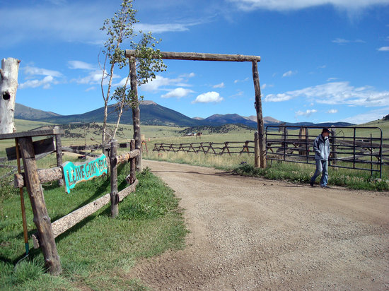 Entrance to the American Safari Ranch