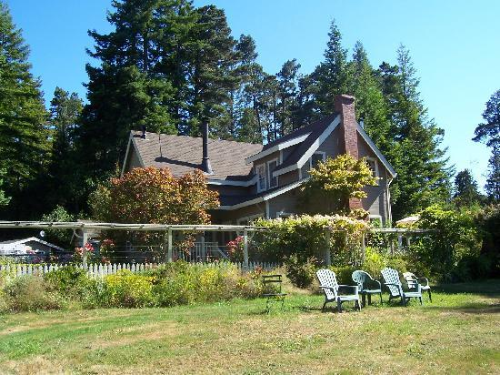 Mendocino Farmhouse: The Farm House