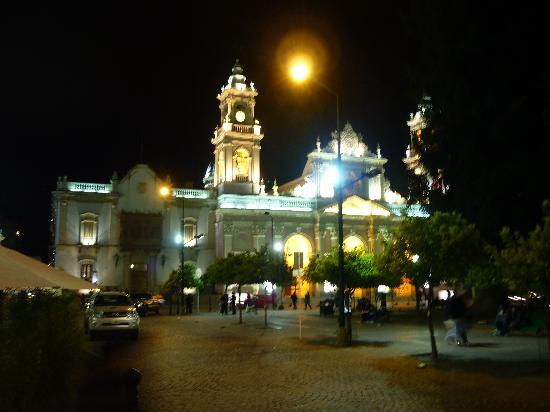 Salta, Argentyna: Main Square at Night