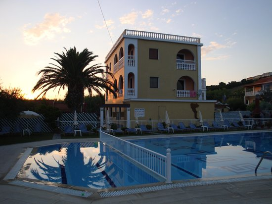 Arillas, Greece: Pool area early evening