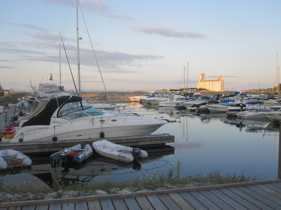 Collingwood, Canadá: The Marina