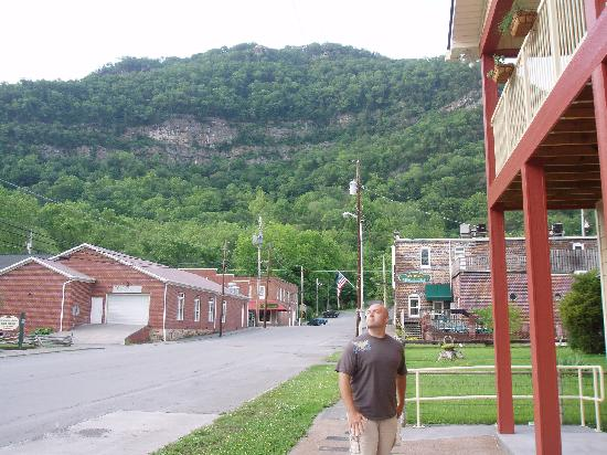 Cumberland Gap Inn: Setting out to explore the Gap -- nice view right across from the Inn.