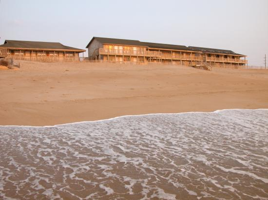 Cape Hatteras Motel: Footsteps from the Atlantic Ocean