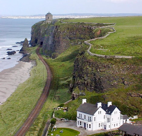 Downhill Beachhouse