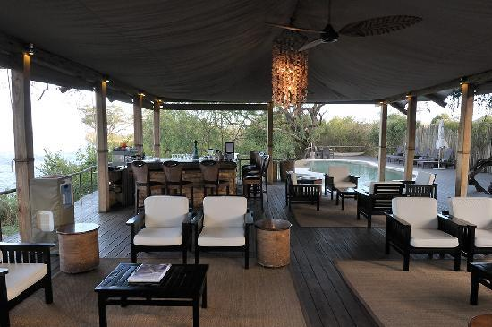 Toka Leya Camp: Lounge, pool and bar on the Zambezi