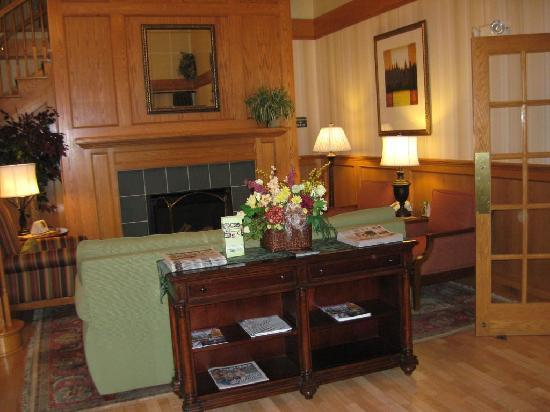 Country Inn &amp; Suites By Carlson, Rochester-Henrietta: Lobby