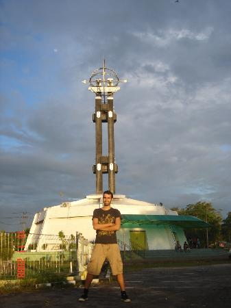 Pontianak, Indonesia: Equator monument