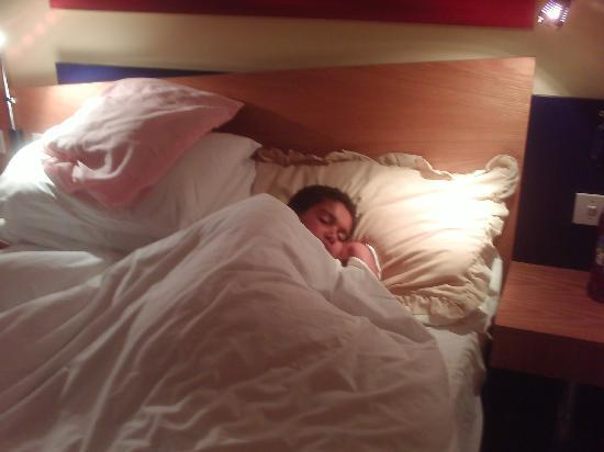 Holiday Inn Express Stoke-on-Trent: asleep before the lights went off!!