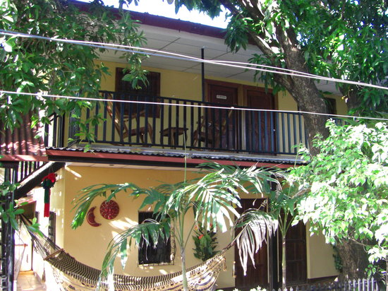 Charly's Bar, Restaurant & Guesthouse