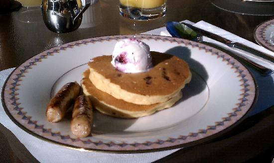 Swan Hill Bed &amp; Breakfast: Debbie&#39;s delicious huckleberry pancakes, topped with huckleberry ice cream.  Yum!