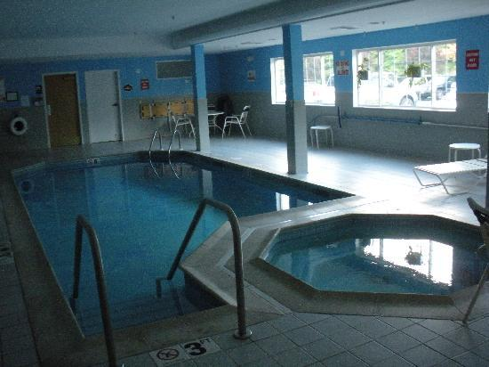 Sleep Inn Manchester Airport: indoor pool