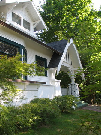 Front Entrance to Forest Springs Bed and Breakfast
