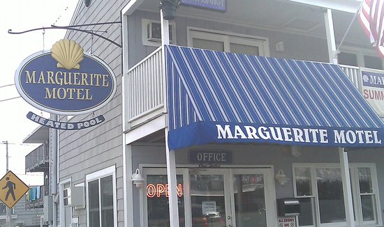 Marguerite Motel: Front Office