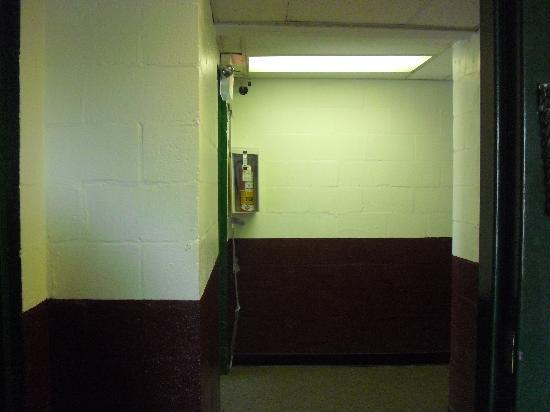 Days Inn - Toms River / Seaside Heights: the hallway